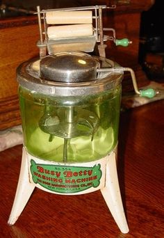 Toy Busy Betty washing machine 1930's--green glass tub---14726
