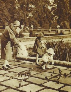 Hyde Park, London, 1920's--I've fed small birds in Hyde Park in the aughties of 2000!