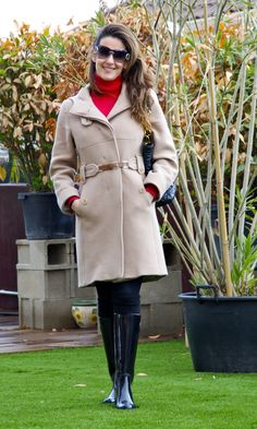 Wellies Rain Boots, Gucci Boots, Equestrian Outfits, Beautiful Outfits, Riding Boots, Elegant, Coat, Jackets, Image
