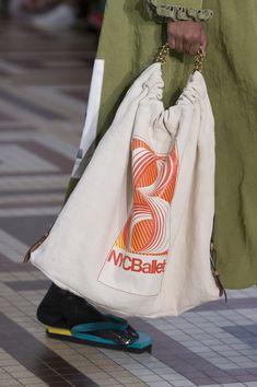 Acne Studios at Paris Fashion Week Spring 2019 - Details Runway Photos Tote Bags For College, Pandora Bag, Trendy Handbags, Handmade Handbags, Denim Purse, Linen Bag, Recycled Denim, Fabric Bags, Paris Fashion