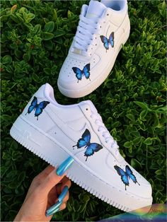 custom nike shoes Blue Butterfly Custom Nike Air Force 1 Loving the butterfly trend Hop on the trend now with these custom shoes you cant buy anywhere else! Handmade with Cute Teen Shoes, Trendy Shoes, Casual Shoes, Jordan Shoes Girls, Girls Shoes, Shoes Women, Butterfly Shoes, Blue Butterfly, Nike Shoes Air Force