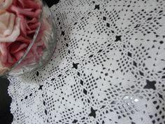 Toca do tricot e crochet: Toalhinha de bandeja ... com pequenos squares de crochet !!!