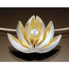 Lotus With Pearl Pendant: Thea Izzi...so clean and fresh