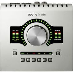 Universal AudioApollo Twin Desktop Interface with Realtime UAD DUO Processing
