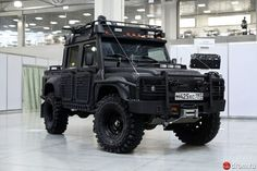 Apokalypse Land Rover Defender – James Vernon-Smith – Join in the world of pin Landrover Defender, Defender 130, Big Trucks, Pickup Trucks, Ford Trucks, Automobile, Land Rover Series 3, Offroader, Expedition Vehicle