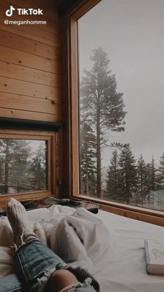 Beautiful Places To Travel, Cool Places To Visit, Places To Go, Cabin Christmas, Christmas Vacation, Deer Wallpaper, Aesthetic Photography Nature, Camping Photography, Cozy Nook