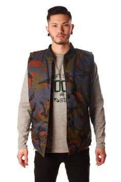 the reversible killstreak vest is perfecr for spring!  http://www.freshlylanded.com/product/details/Crooks-and-Castles-Killstreak-reversible-vest/?product_id=1137