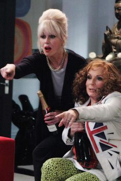 Joanna Lumley and Jennifer Saunders in Absolutely Fabulous British Female Comedians, British Comedy, Jennifer Saunders, Joanna Lumley, Ab Fab Movie, Patsy And Eddie, Bbc Drama, All Things Fabulous, Bbc America