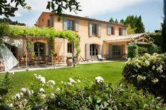 Mas typiquement provençal - Mas Provence, leader régional de la construction de maisons individuelles en région PACA et dans le Gard.