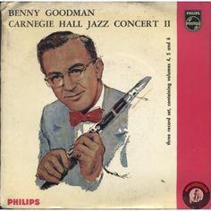 <p>ARTISTA: Benny Goodman - Carnegie Hall Jazz Concert II<br />THREE RECORD SET, CONTAINING VOL. 4, 5, 6</p><p>VOL.4: <br />LATO A: LOCH LOMOND - BLUE SKIES<br />LATO B: THE MAN I LOVE - I GOT RHYTHM</p><p>VOL5:<br />LATO A: BIG JOHN'S SPECIAL - CHINA BOY<br />LATO B: AVALON - SING, SING, SING (PART I)</p><p>VOL6: SING, SING, SING (PART II)<br />LATO A: BLUE ROOM - STOMPIN' AT THE SAVOY</p><p> </p>