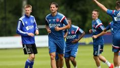 Willem II wil Mitchell Dijks graag huren. Volgens het Brabants Dagblad zou de club uit Tilburg Dijks al bijna binnen hebben. De linksback kreeg eerder deze maand te horen dat hij mag vertrekken uit Amsterdam.