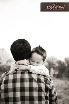 Sacramento Family Portrait Photographer- Jen Stewart Photography Natural setting family portrait session