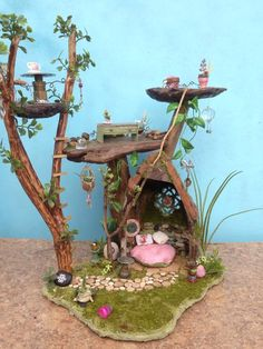 A fairy house for a fairy friend in Michigan USA. A fairy house for a fairy friend in Michigan USA. Fairy Terrarium, Airplant Terrarium, Terrarium Closed, Wall Terrarium, Gecko Terrarium, Terrarium Centerpiece, Terrarium Necklace, Terrarium Plants, Fairy Crafts