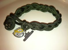 paracord army girlfriend bracelet. $8.00, via Etsy.   I'd like to know how to make this.