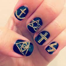 I want those nails!!!!