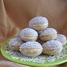 Vaníliás diócska Recept képpel - Mindmegette.hu - Receptek Hungarian Cookies, Hungarian Desserts, Hungarian Recipes, Mouse Recipes, Cookie Recipes, Dessert Recipes, Cocktail Cake, Sweet Cookies, Walnut Cookies