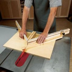 Shopmade Tablesaw Miter Sled Woodworking Plan from WOOD Magazine