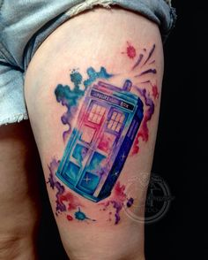 Thanks for sitting like a rock for this tattoo Jodi! Very fun Tardis tattoo with some freehand watercolour. Sorry she's a bit swollen and bloody. The Whites are going to look awesome once it's settled down! Dr Who Tattoo, Doctor Who Tattoos, I Tattoo, Small Couple Tattoos, Small Tattoos, Tardis Tattoo, Fusion Ink, Gaming Tattoo, Like A Rock