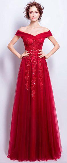 Robe de soirée rouge élégante épaule dénudée avec broderies