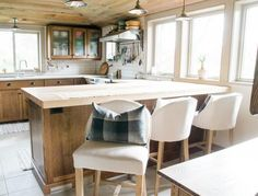 A Charming Farmhouse Kitchen – Jane Meets Ruby