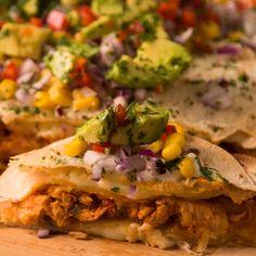 Quesadillas de Pollo - Roof Tutorial and Ideas Healthy Dinner Recipes, Mexican Food Recipes, Vegetarian Recipes, Cooking Recipes, Cooking Box, Spinach Recipes, Cooking Gadgets, Burger Recipes, Cooking Light
