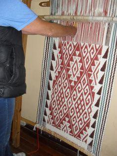 Inkle Weaving, Tablet Weaving, Weaving Art, Tapestry Weaving, Textile Art, Blackwork, Lana, Textiles, Crochet Patterns