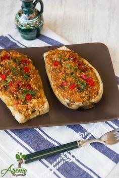 In aceasta reteta de vinete umplute cu legume am folosit si quinoa, un aliment cu propietati benefice pentru organism, ea continand calciu si proteine de buna calitate. Wok, Quinoa, Bruschetta, Vegetable Pizza, Lose Weight, Vegetarian, Meals, Vegetables, Ethnic Recipes