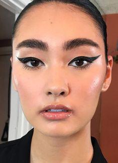 Cat eye makeup look-Cat eye makeup look Cat eye eyeliner makeup look - Cat Eye Eyeliner, Cat Eye Makeup, No Eyeliner Makeup, Eye Makeup Tips, Makeup Goals, Skin Makeup, Makeup Inspo, Makeup Art, Beauty Makeup