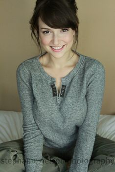 Milana Vayntrub is known for playing Lily Adams in AT&T television commercials. We found the hottest photos of AT&T 'Lily' actress and all the must-see details Milana Vayntrub. Girl Celebrities, Beautiful Celebrities, Beautiful Actresses, Gorgeous Women, Celebs, Beautiful Smile, Beautiful People, Moda Formal, Non Blondes