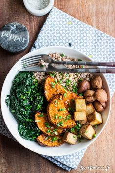 Complete Autumn Plate: Butternut, Spinach, Buckwheat, Chestnuts and T … - Tofu Bowl Rezepte Tofu Recipes, Vegetarian Recipes, Cooking Recipes, Healthy Recipes, Batch Cooking, Teller, Winter Food, Easy Dinner Recipes, Food Inspiration