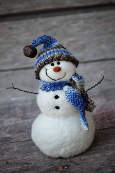 Needle Felted Snowman, solid wool, handspun/knit hat and scarf.  By Teresa Perleberg of Bear Creek Felting