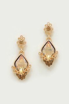 Prism Cut Vitrail Champagne Centered Crystal set in delicious Frothiness of Topaz Crystals and Golden Filigree.