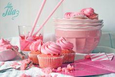 La Tila: Pink velvet cupcakes + strawberry marshmallow fluff buttercream