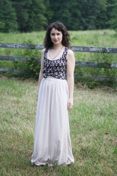 Need a maxi skirt? Have left over jersey material? perfect! I need to have another go at making a maxi skirt and w. the help of lovely @Megan Ward Nielsen you really can't go wrong!