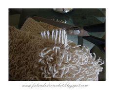 Olá, amiga (o)!     Hoje eu quero te mostrar dois TAPETES DECROCHÊ (Crochet Rug) , muito interessantes e charmosos... Um TAPETE  PONTO ...