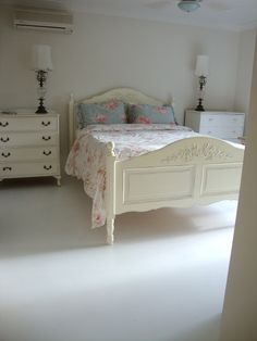 Paint Me White: Painted Concrete Floors - bedroom decor - Concrete Bedroom, Tile Bedroom, Bedroom Flooring, Bedroom Decor, Bedroom Ideas, Master Bedroom, Bedroom Black, Diy Flooring, Bed Ideas