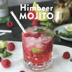 Mojito ai Lamponi 🍹 - Expolore the best and the special ideas about Cocktail recipes Tonic Cocktails, Gin Tonic, Refreshing Cocktails, Easy Cocktails, Summer Cocktails, Yummy Drinks, Popular Cocktails, Mojito Drink, Mojito Cocktail