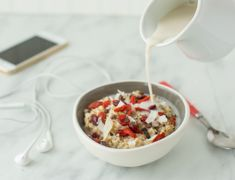 Oatmeal is a staple pre-workout food for many runners because it contains complex carbohydrates for sustained energy. Here is the perfect pre-run oatmeal!