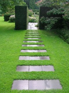If you want to arrange a fabulous garden path, we invite you to watch the next article to have an idea of the latest trends. Your house becomes the center of your attention. We would like to show you some astounding projects that you can realize in your beautiful garden. We see in the next …