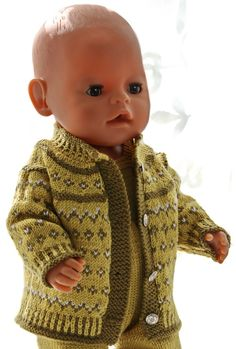 Baby Born Puppet jacket knitting instructions – This outfit looks fabulous with the green … Bitty Baby Clothes, Girl Doll Clothes, Girl Dolls, Baby Dolls, Doll Patterns, Knitting Patterns, American Doll Clothes, Fair Isle Knitting, Baby Born