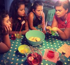WORKSHOP KIDS | MÃOS NA MASSA 1 MÃOS NA MASSA combina a culinária, com a expressão plástica.  Depois de cozinharem a receita, as crianças realizam uma ilustração criativa de todo o processo numa narrativa desenhada!