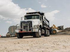 Mack Granite 8×4 Dump Truck '2002–pr.