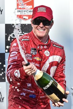 Somona Race winner and 2015 series champion Scott Dixon, Chip Ganassi Racing Chevrolet