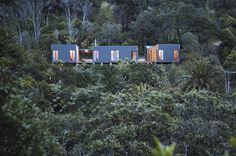 CORA HOUSE, HEKERUA BAY, WAIHEKE ISLAND, NZhttp://www.atelierworkshop.com/cora-house