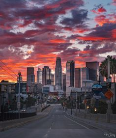 7 Unusual Sites You Need to See in LA Los Angeles sunset Los Angeles Sunset, Los Angeles Skyline, Downtown Los Angeles, West Los Angeles, Sunset Photography, Travel Photography, Beautiful Sunset, Beautiful Places, Beautiful Pictures