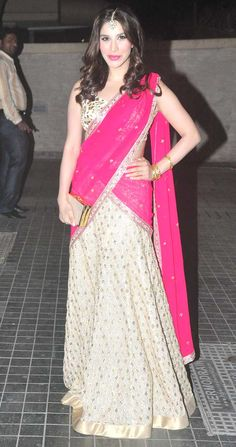Sophie Choudry at Soha Ali Khan, Kunal Khemu's wedding reception. #Bollywood #Fashion #Style #Beauty