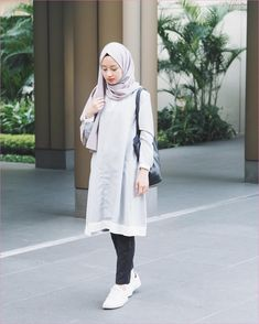 Best Ideas For Style Hijab Remaja Gemuk 775182154596023258 – Hijab Fashion 2020 Hijab Casual, Hijab Chic, Ootd Hijab, Hijab Fashion Casual, Outfit Essentials, Simple Outfits, Casual Outfits, Fashion Outfits, Casual Jeans