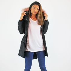 Vero Moda Black Parka Jacket With Pale Pink Faux Fur Trim Hood   £49.99 *