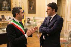 """Il sindaco Federico Pizzarotti, nel dare il benvenuto al Presidente ha sottolineato che """"per il nostro territorio, profondamente colpito dall'alluvione, servono finanziamenti soprattutto per poter prevenire queste catastrofi: abbiamo bisogno di risposte dal Governo."""