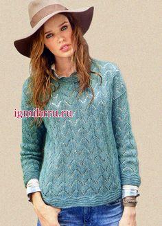 Женственный ажурный пуловер из бирюзовой мохеровой пряжи с шелком. Вязание спицами